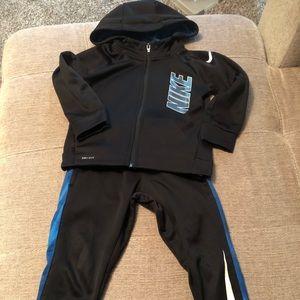 Nike Dri Fit zip up hoodie pant suit.